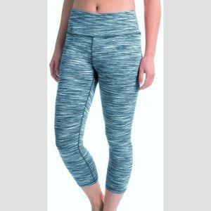 MPG teal space dye capri athletic leggings